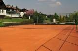 Tenisový kurt/Tennisplatz/Tennis court